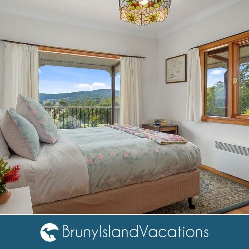 Mafield Country Double Bedroom